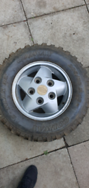 Land Rover Discovery 1 Alloy Wheel And Off Road Tyre 235 70 16