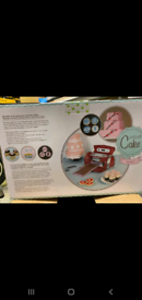 CRICUT CAKE MINI BRAND NEW & SEALED + Tool kit BNIB