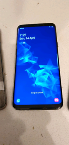 Samsung Galaxy S9 256GB - Unlocked - hairline crack unnoticable