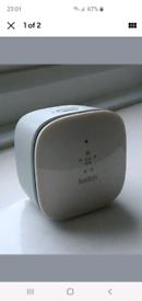 Belkin N300 F9K1015UKv1 Wireless Range Extender WiFi 802.11 b/g/n 2.4G
