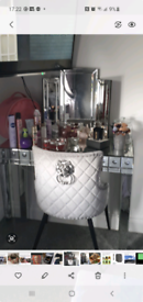 Mirrored dressing table & mirror