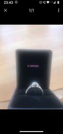 BEAUTIFUL H SAMUEL 18CT WHITE GOLD .33CT DIAMOND ENGAGEMENT RING WITH