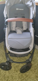Kinderkraft moov pushchair