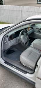 1998 Lincoln Town Car Executive Edition