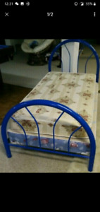 "Twin size bed, 34"" x 79"", in NEAR NEW CONDITION"