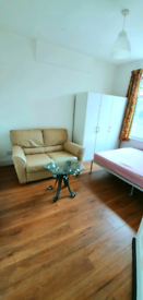 Large Double room for rent, furnished, only 3mins from station