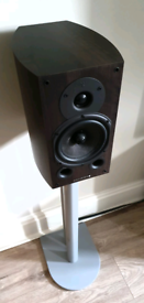 Wharfedale Diamond 9.1 HiFi Speakers & Atacama Stands + Cable