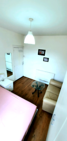 Large double room for rent, only 3 mins from station, bills included