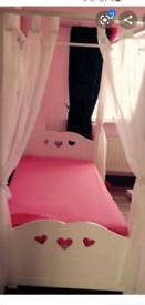 Girls princess 4 poster single bed