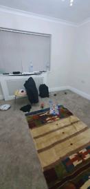 Single room available, Princess Road