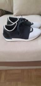 Pair of balenciagaga trainers used in vgc 40 pounds ovno