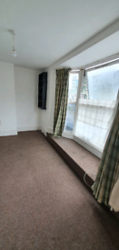 Large Room available in Share Flat - Location London Road