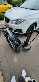 Taylormade stand bag and trolley