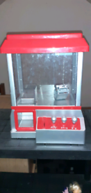 Medium size coin operated kids claw grab machine