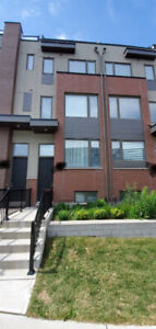 Townhouse for rent - Sept 1st/Oct 1st -Downsview park