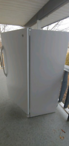 Upright GE  freezer very good condition! Very well kept !