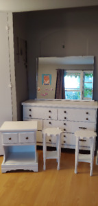 Dresser, bedisde end tables and nightstand