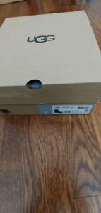 UGG - Lady boots - Brand New
