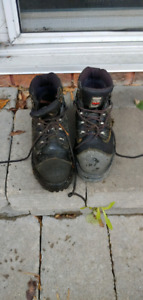 Men's work boots size 10 but fits more like a 9/9.5