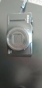 Used Nikon Coolpix S8100 w/charger