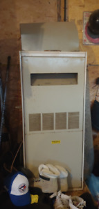 Lennox G8- 110T Forced Air Natural Gas Furnace