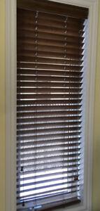 Blinds horizontal wood / Walnut colour.