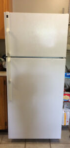Fridge for sale - 6 yrs old Hotpoint