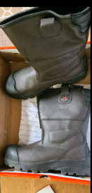 NEW IN BOX SIZE 10 ROCKFALL RIGGER BOOTS