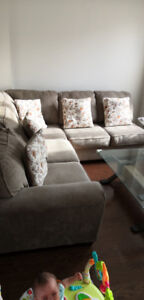 (Ashly) Complete Sectional sofa..