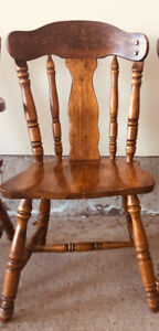 Kitchen chair set of 4! Solid wood high quality!