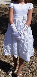 Youth White Dress size 10 only worn once Regina Regina Area image 1