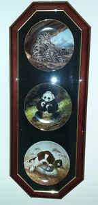 Set of 3 Collector Plates in Case