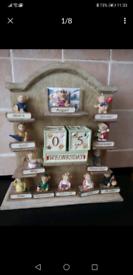 Teddy bear figurines calendar seasons months