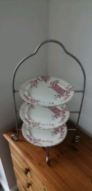 3 TIER TOWER METAL CAKESTAND INCLUDING VINTAGE PLATES