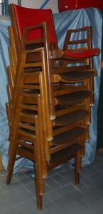 6 chaises  empilables  6 wood stackable chairs