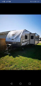 Taking all offers 2017 Freedom Express 320BHDS bunkhouse