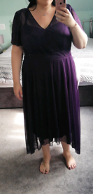 Beautiful flattering purple dress with capped sleeves size 22-28