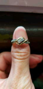 10 k white and yellow gold diamond promise ring