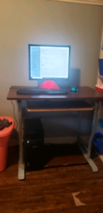 Selling PC comes with monitor and keyboard and mouse