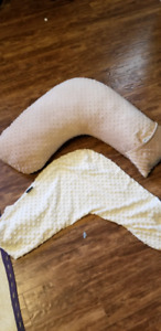 Jolly jumper breast feeding pillow with spare cover