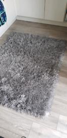 Shag pile rug