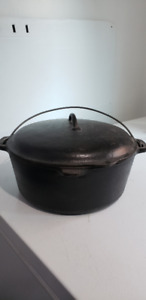 LARGE OLD CAST IRON DUTCH OVEN