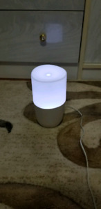 Oil Diffuser with lights - lightly used. Purchased for 67$