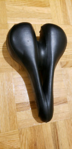 Dolce by Specialized extra padded bike seat