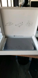Microsoft surface pro 4 i7 **new in box**
