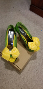 High heeled shoes size 39(8) $15.