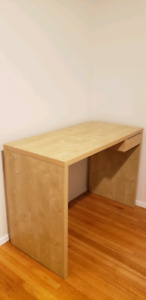 Free Desk. Perfect Condition.