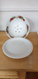 Porcelaine Fruit or Veg Bowl