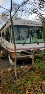 2000 Georgetown RV ONLY 54213 KMS $22 500