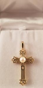 Croix en or 10k avec perle, payé 900$